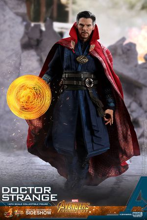 Hot Toys MMS484 Avengers 3: Infinity War - Doctor Strange Action Figure for Sale in Issaquah, WA