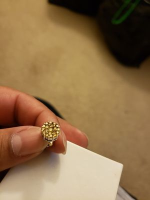 14k yellow diamond earring just one for Sale in Riverdale, MD