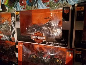 15 Harley Davidson miniatures. Sell as a set for 100$. 10$ each if sold individually. for Sale in St Louis, MO