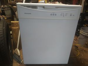 Whirlpool dishwasher. for Sale in Gulfport, MS