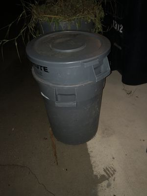 Brute HD Trash Cans for Sale in Tampa, FL