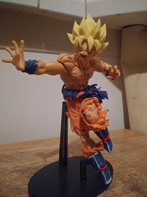 Dragon Ball Z - Goku Super Saiyan Figurine for Sale in San Francisco, CA