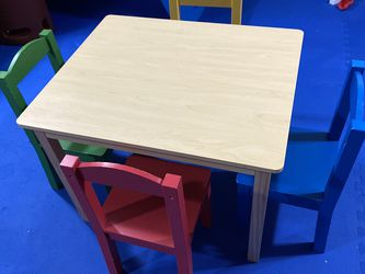 Toddler Table and Chairs Set for Sale in The Bronx,  NY