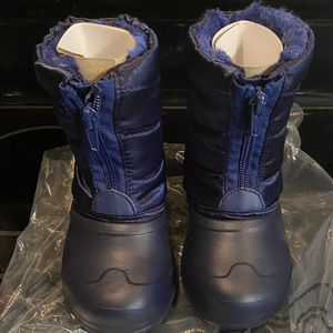 Little Boys/Girls Snow Boots Size 8 for Sale in Stafford, VA