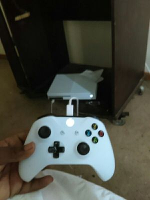 Xbox one s perfect condition trade for PS4 for Sale in Columbus, OH