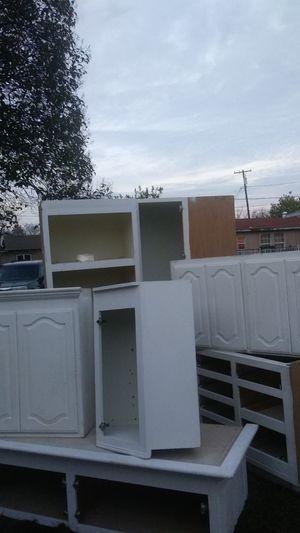 8 piece Kitchen cabinets for Sale in Stockton, CA