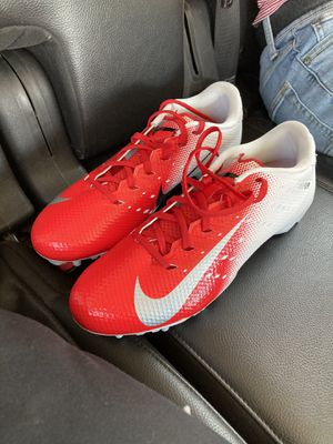Men's Nike Vapor Untouchable Varsity 3 TD Football Cleat SIZE 10 for Sale in Saginaw, TX