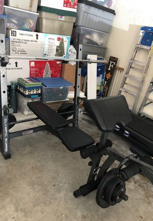 300lbs weight bench for Sale in Palm Beach Gardens, FL
