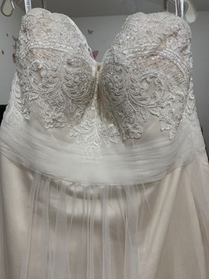 Davids bridal wedding gown size 12 for Sale in Rockville, MD