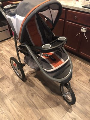 Graco jogging modes click connect stroller Graco click connect car seat and base for Sale in Chesapeake, VA