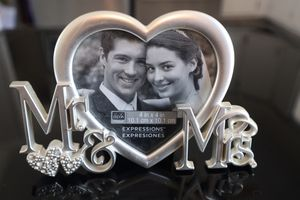 Mr & Mrs Wedding Frame for Sale in Ocean Gate, NJ