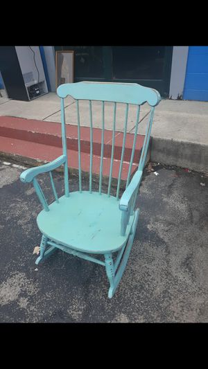 Rocking chair for Sale in High Point, NC