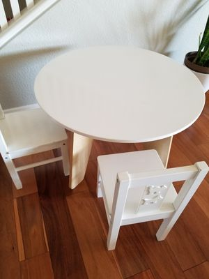 Kids table and chairs for Sale in Escondido, CA