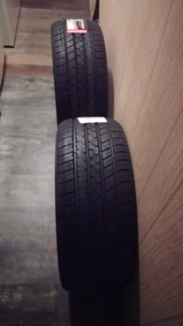 """22""""in Tires (235-30-22)"""