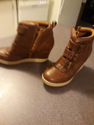 Boot wedges size 51/2 for Sale in Gonzales, LA