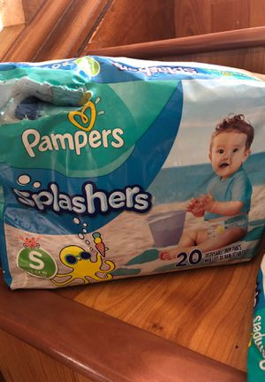15 diapers pampers splashers swim pants size S for Sale in MENTOR ON THE, OH