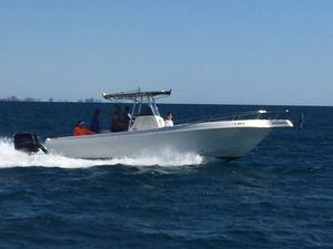 28' - Twin Yamaha Outboards - Caravelle (2001) for Sale in Hollywood, FL