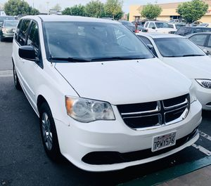 2012 Dodge Grand Caravan SE WHITE - GOOD CONDITION - FLEX FUEL VEHICLE for Sale in Garden Grove, CA
