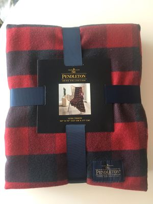 Brand new Pendleton Fleece Buffalo Plaid Red Navy Throw blanket for Sale in San Diego, CA