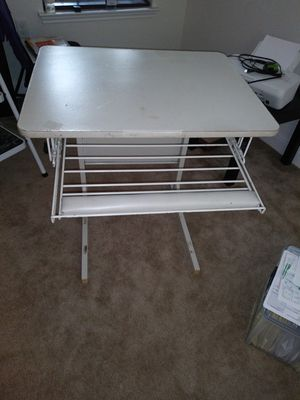 Small Desk for Sale in Del Valle, TX