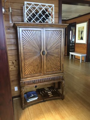Tommy Bahama Dinning room cabinet / internal bar with lighting. for Sale in Stuart, FL