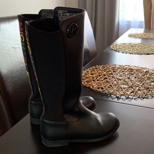 Michael Kors Boots For Girls Size 12 for Sale in Marlboro Township, NJ