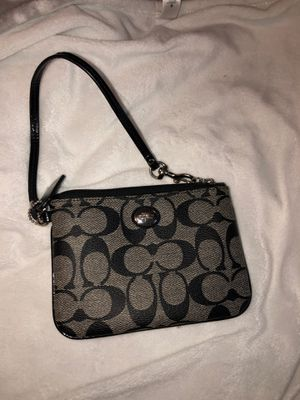 Coach wrist wallet for Sale in Hacienda Heights, CA