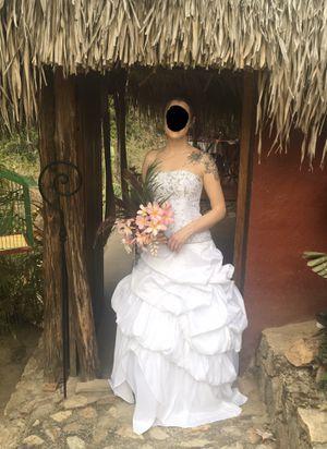Beautiful XS corset style wedding dress, size 2-4 for Sale in Bonney Lake, WA