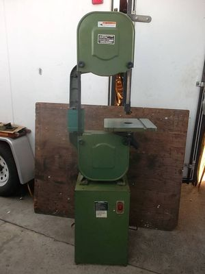 """Central Machinery 14"""" Band Saw With 6"""" Riser Block With Metal Stand Bandsaw 1 Horsepower 110v Single Phase Motor for Sale in Bell Gardens, CA"""
