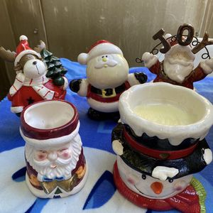 5 CHRISTMAS CERAMIC DECORATIONS for Sale in Alhambra, CA