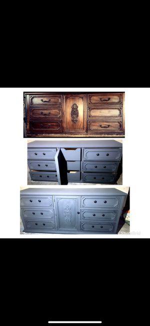 Bassett Antique Dresser for Sale in Fresno, CA
