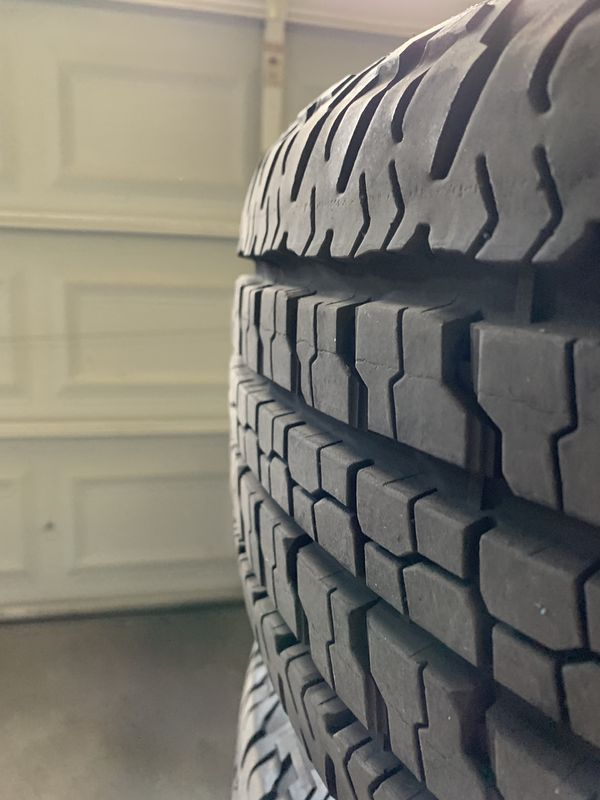 """2019 Ford F-150 FX4 stock chrome 18"""" rims and tires"""