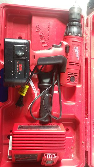 Milwaukee cordless hammer/drill set 18v for Sale in Portland, OR