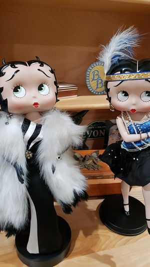 Collectible Betty boo 15 and a 1/2 inch porselana for Sale in Miami, FL