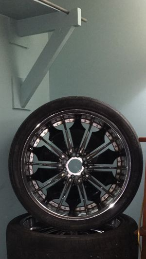 $700 obo GOTTA GO MAKE OFFER!!!!! 24's with tires for Sale in Myrtle Beach, SC