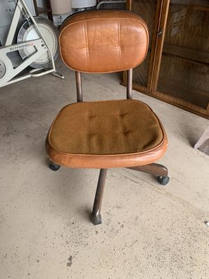 Vintage chair for Sale in Buena Park, CA