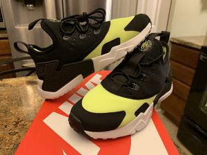 NEW KIDS BOYS NIKE HUARACHE DRIFT VOLT PS SIZE 11C SHOES for Sale in Lewis Center, OH