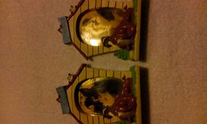 2Wb dog house picture frames. for Sale in Gloucester City, NJ