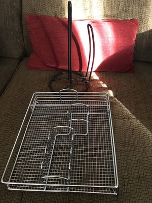 Silverware holder/paper towel holder both for $6 for Sale in OH, US