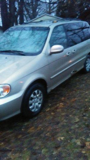 Kia sedona mini van for Sale in Akron, OH