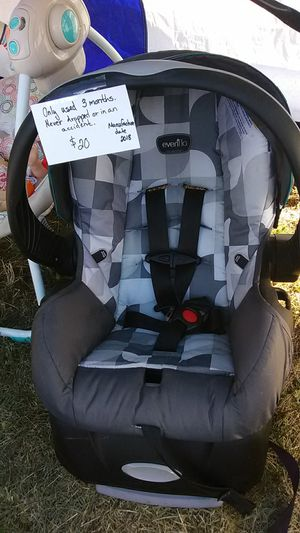 Evenflo Infant Carseat for Sale in Lakewood, CO