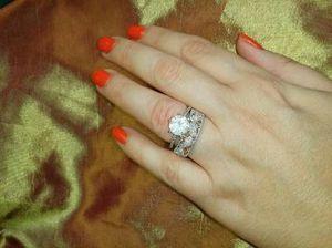 2 carat diamond rose gold ring for Sale in Atlanta, GA