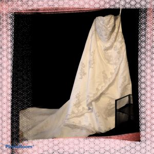 Women's size 24W wedding dress for Sale in Birmingham, AL