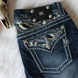 """Miss Me and 7 """"Seven"""" Jeans size 29-30 (size 7-8) LIKE NEW!! for Sale in Phoenix, AZ"""