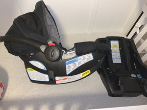 Infant car seat for Sale in Brooklyn, MD