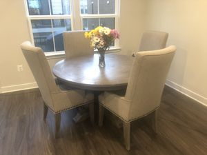 Beautiful Dining Room Table & Chairs for Sale in Joint Base Andrews, MD