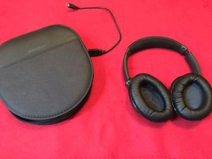 Bose QuietComfort 35 Wireless Headphones ll, with Microphone, Noise Canceling, Black for Sale in Turtle Creek, PA