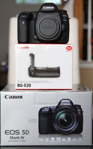 Canon EOS 5D Mark IV ( Almost New) with New BG-E20 Grip Back Up Body. Barely used. Brand New Grip. Never used. for Sale in McKinney, TX