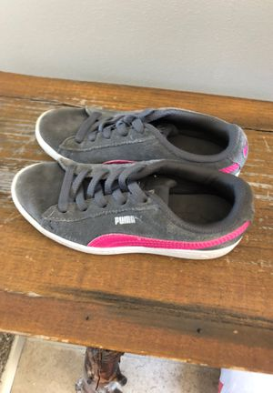 Puma shoes size 13 girl for Sale in Pleasant Prairie, WI