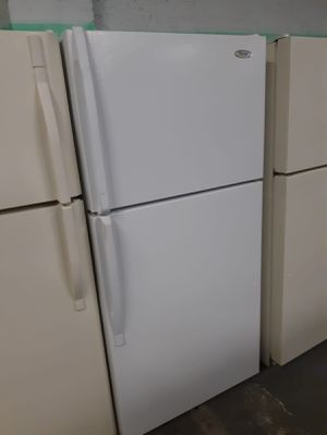Top and bottom fridge works perfectly for Sale in Halethorpe, MD